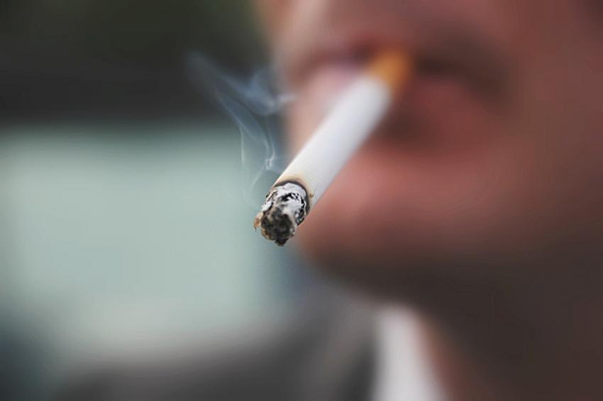 Merokok dengan Cara yang Elegan agar Hidupmu Dihormati Banyak Orang